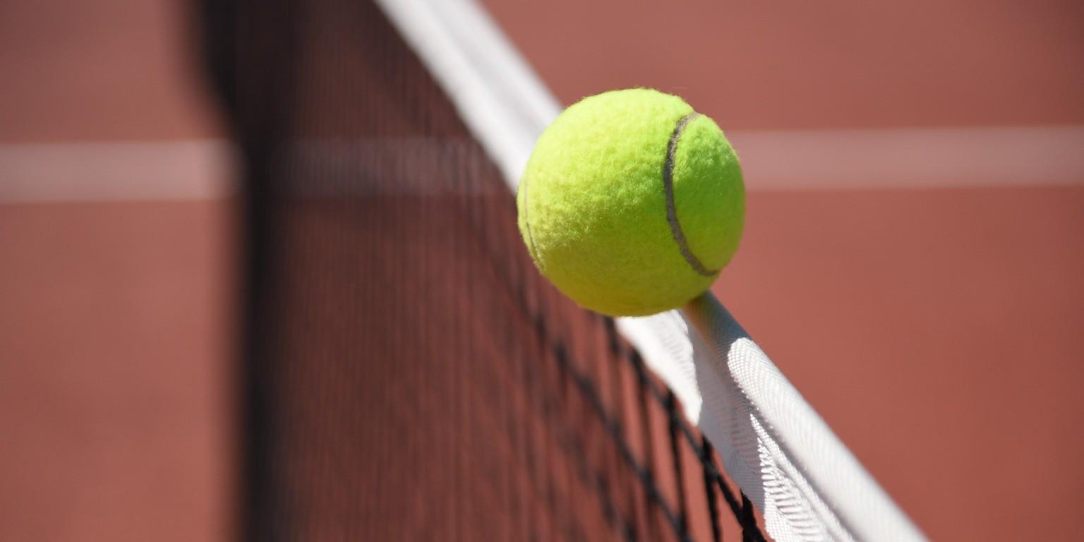 Rencontrer des joueurs et des joueuses de tennis, pour jouer au tennis avec des amis